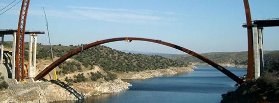 Ponte arcos de aço