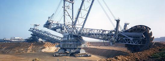 A maior escavadeira do mundo tem 215m de comprimento
