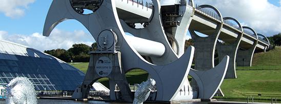 Elevador de barcos com capacidade de 800 toneladas